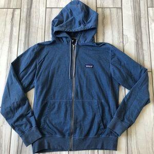Patagonia P-6 label hoodie. EUC
